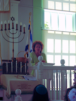 Jane welcomes Congregation Beth Shalom of Wilmington, Delaware to their 4th annual Shabbat services in the Shadows of History